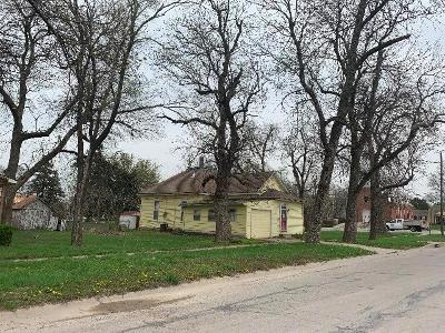 Gardner Single Family Home Auction: 138 S Center Street