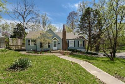Kansas City Single Family Home For Sale: 3701 NE 34 Terrace