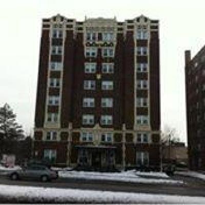 Condo/Townhouse For Sale: 323 E Emanuel Cleaver #2d Boulevard