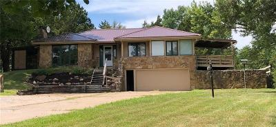 Lawrence Single Family Home For Sale: 1685 N 1000 Road