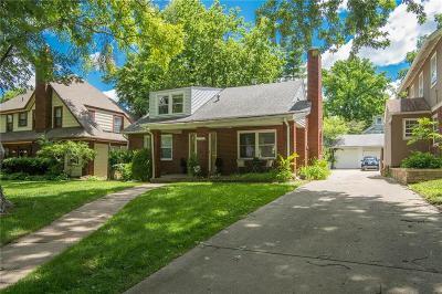 Kansas City Single Family Home For Sale: 5715 Cherry Street