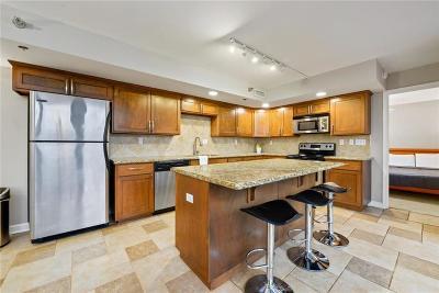 Kansas City Condo/Townhouse For Sale: 600 E Admiral Boulevard #205