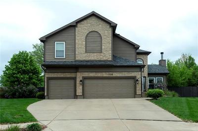 Olathe Single Family Home For Sale: 12133 S Sagebrush Drive