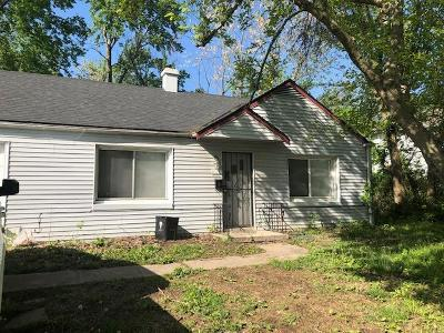 Cass County, Clay County, Platte County, Jackson County, Wyandotte County, Johnson-KS County, Leavenworth County Single Family Home For Sale: 2119 E 78th Street
