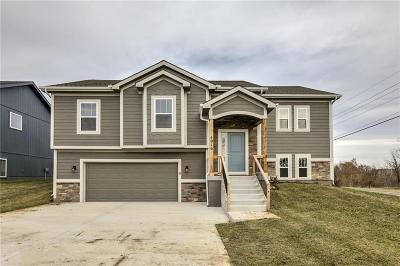 Kings Gate Single Family Home For Sale: 4916 NE 79th Street