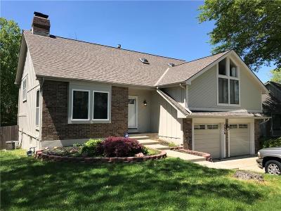 Lenexa Single Family Home For Sale: 7826 Caenen Street
