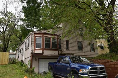 Independence Single Family Home For Sale: 132 N Home Avenue
