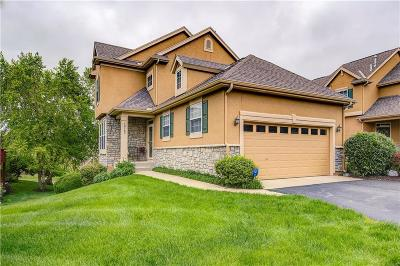 Overland Park Condo/Townhouse For Sale: 16165 Linden Street