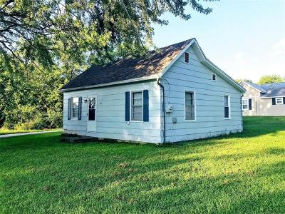 Carroll County Single Family Home For Sale: 210 N Maple Street