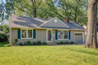 Roeland Park Single Family Home For Sale: 5009 Sycamore Drive