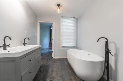 Platte City Single Family Home For Sale: 320 Ferrel Street