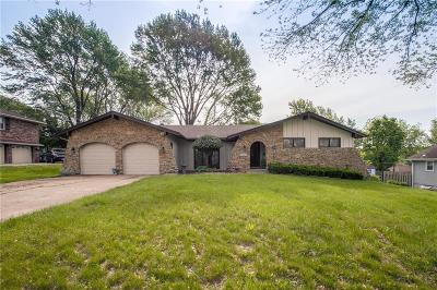 Raytown Single Family Home For Sale: 6905 Crisp Street