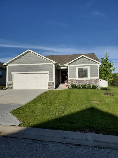 Cass County, Clay County, Platte County, Jackson County, Wyandotte County, Johnson-KS County, Leavenworth County Single Family Home For Sale: 12414 Black Oak Circle
