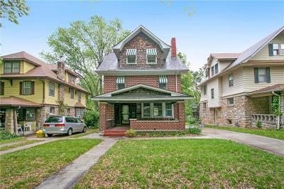 Kansas City KS Single Family Home For Sale: $215,000