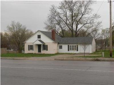 Kearney Single Family Home For Sale: 604 S Jefferson Street