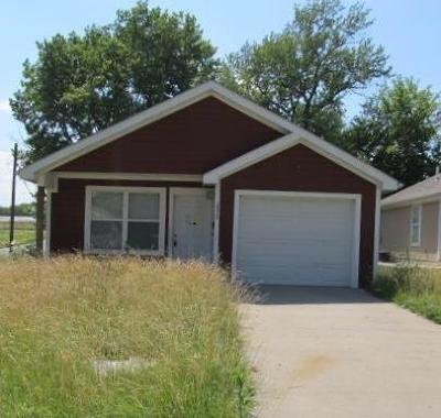 Kansas City Single Family Home For Sale: 2830 Kensington Avenue