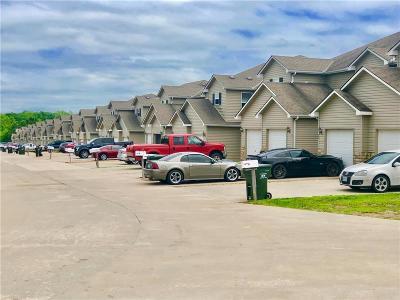 Warrensburg Multi Family Home For Sale: 425 C Hawthorne Boulevard
