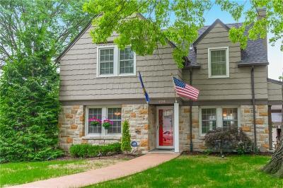 Kansas City Single Family Home For Sale: 428 E 64th Terrace