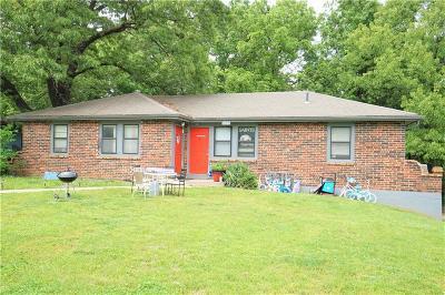 Warrensburg Multi Family Home For Sale: 223 SE 121 Road