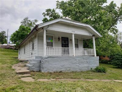 Kansas City Single Family Home For Sale: 1126 Stine Lane