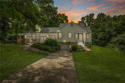 Kansas City Single Family Home For Sale: 8450 Oldham Road