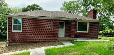 Kansas City Single Family Home For Sale: 3146 N 80th Place