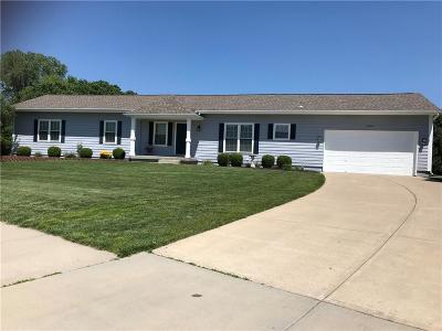Olathe Single Family Home For Sale: 15909 S Lindenwood Drive