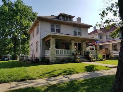 Paola Single Family Home For Sale: 305 E Peoria Street