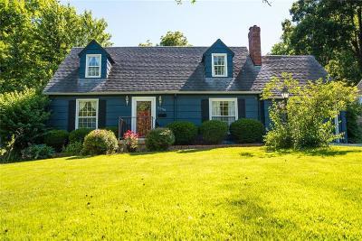 Kansas City Single Family Home For Sale: 8638 Grande Pas Road