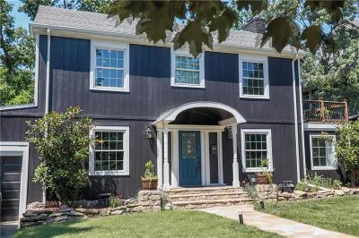 Single Family Home For Sale: 608 W 63rd Street