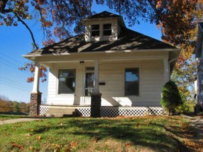 St Joseph Single Family Home For Sale: 1926 S 24th Street