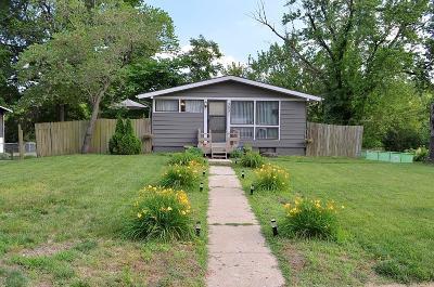 Kansas City Single Family Home For Sale: 3601 NE Cypress Drive