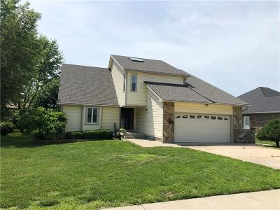 Warrensburg Single Family Home For Sale: 514 Chaucer Lane