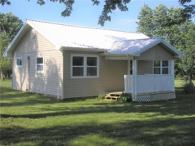 Baldwin City Single Family Home For Sale: 1086 N 100 Road