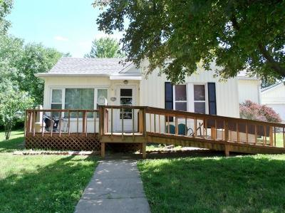 Brown County Single Family Home For Sale: 225 E 11th Street