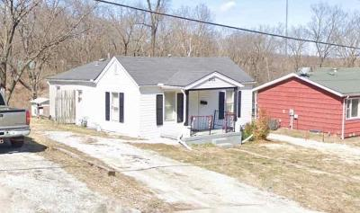 Cass County, Clay County, Platte County, Jackson County, Wyandotte County, Johnson-KS County, Leavenworth County Single Family Home For Sale: 2106 S Arlington Avenue