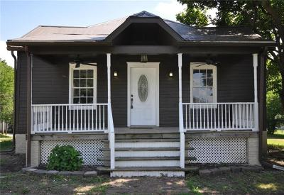 Knob Noster Single Family Home For Sale: 301 W McPherson Street