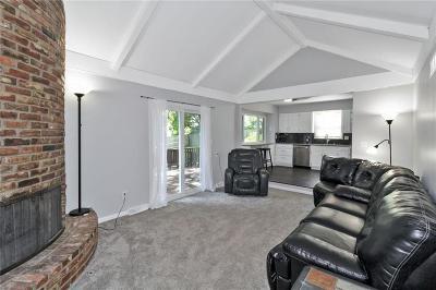Kansas City Single Family Home For Sale: 1115 NE 96th Terrace