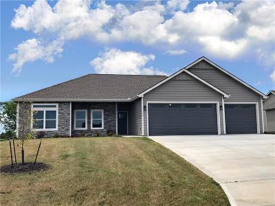 Eudora Single Family Home For Sale: 2609 S Fir Terrace