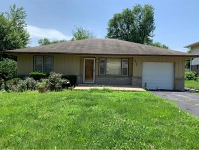 Cass County, Clay County, Platte County, Jackson County, Wyandotte County, Johnson-KS County, Leavenworth County Single Family Home For Sale: 6525 Rowland Avenue