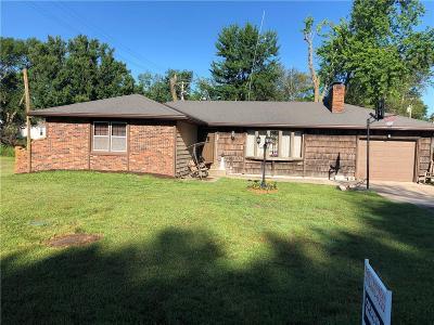Jefferson County Single Family Home For Sale: 217 N Oak Street