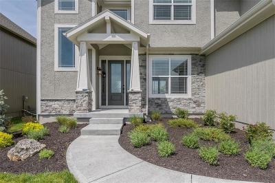Olathe Single Family Home For Sale: 16940 S Hunter Street