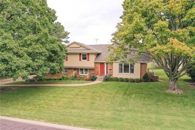 Overland Park Single Family Home For Sale: 6700 W 85th Terrace