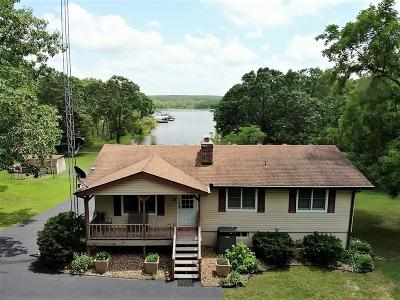 Warsaw Single Family Home For Sale: 21834 Valley Road