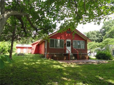Kansas City Single Family Home For Sale: 2405 N 43 Street