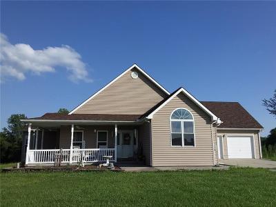 Lathrop Single Family Home For Sale: 3704 SE Deer Run Lane