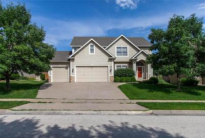 Lawrence Single Family Home For Sale: 908 Stonecreek Drive