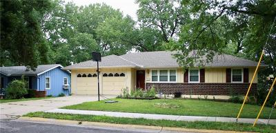Olathe Single Family Home For Sale: 700 N Curtis Street