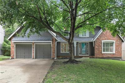 Overland Park Single Family Home For Sale: 11512 Newton Street
