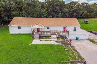 Pleasant Hill Single Family Home For Sale: 16700 S Hereford Road
